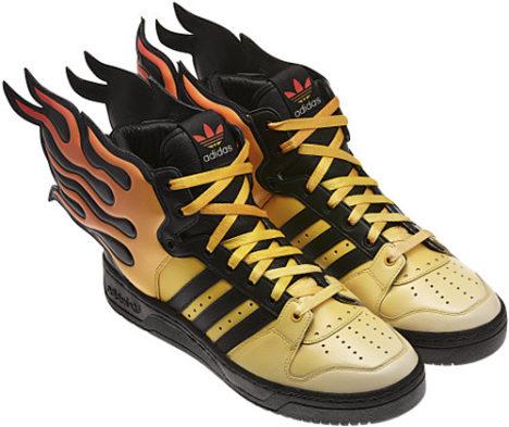 demoler Sociología Abundantemente  Tênis Adidas Jeremy Scott Wings 2.0 em chamas