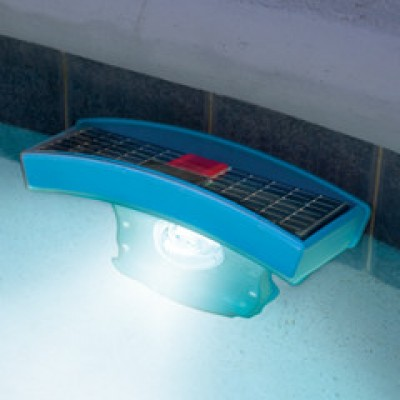 Lumin ria solar de piscina solar pool light for Luminarias para piscinas